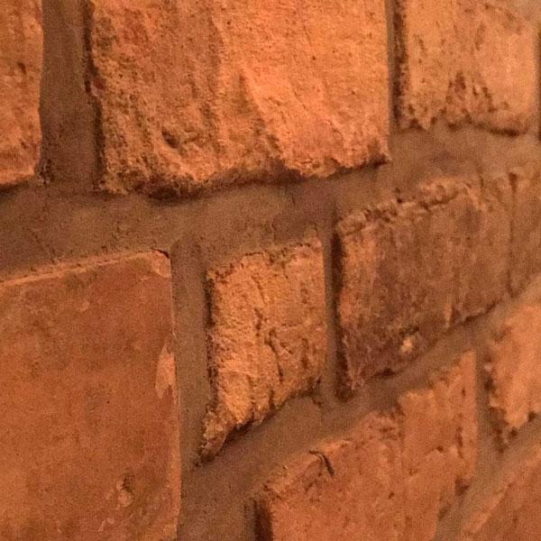 rote Ziegelsteine als Mauer für strassburger | gmbh Bauingenieur-Büro